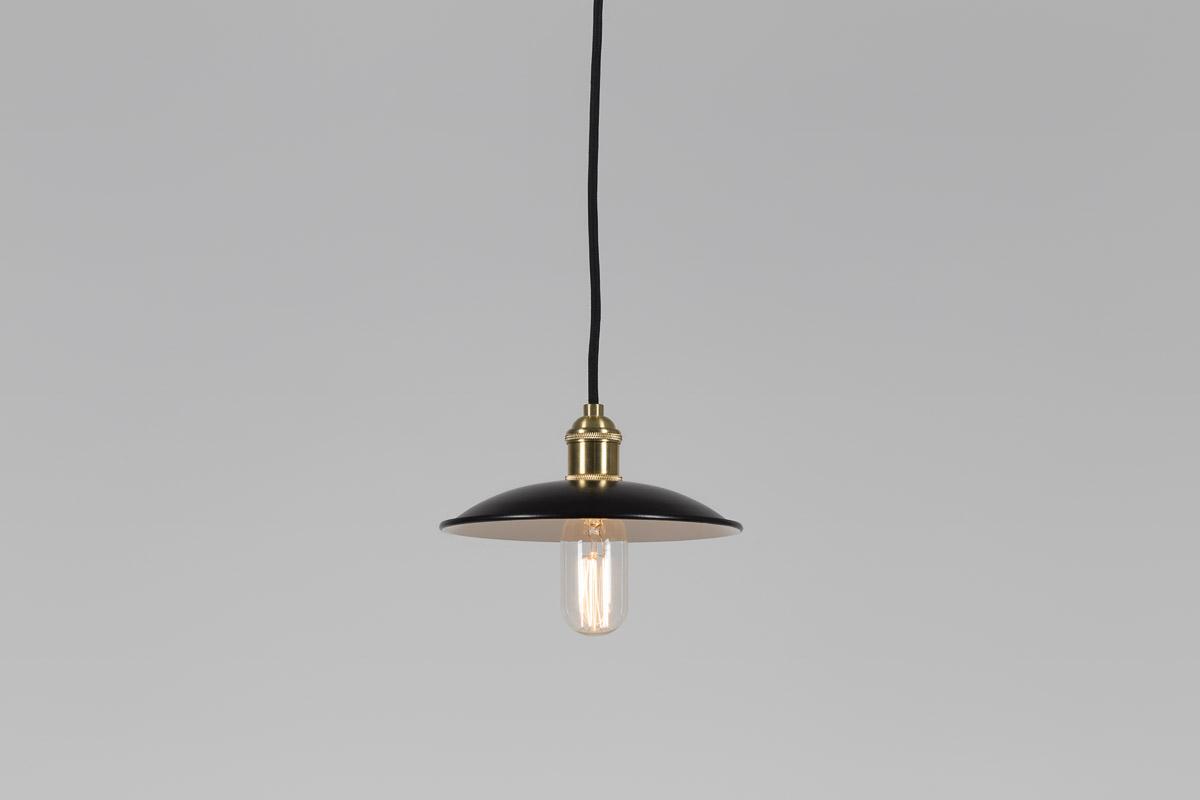 lampa mała czarna metalowa złote dodatki